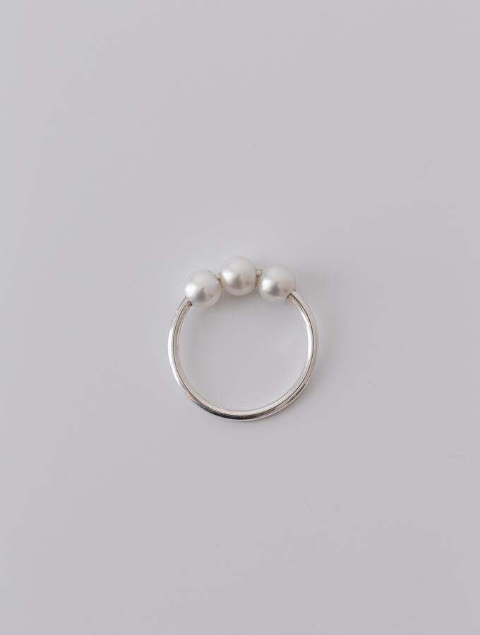 Petite Pearls (1)