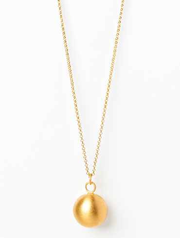 Globe Necklace Gold