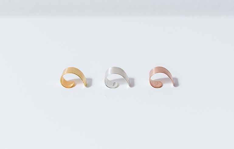 Simplicity Earcuff Red, Gold or Silver