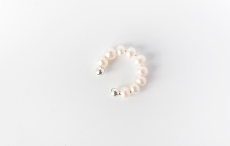 Fairytale Pearls Earcuff