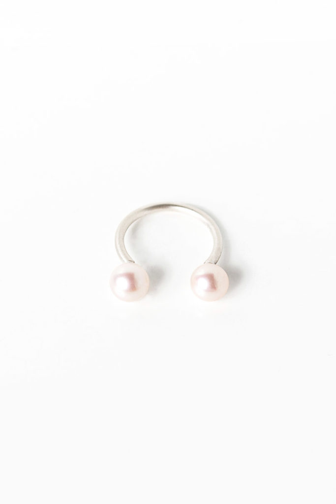 Monir Jewellery_Fairytale Pearls_Part2_Ring Double Silver (26)